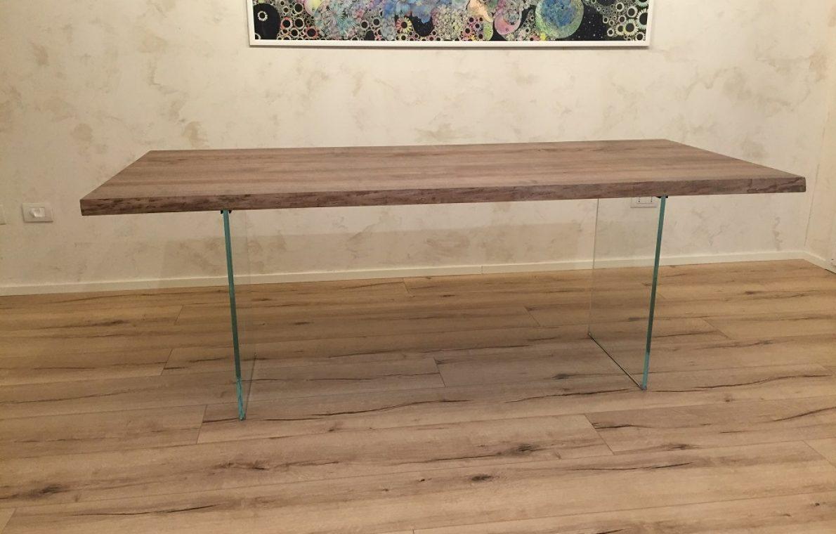 Tavolo in legno di rovere1
