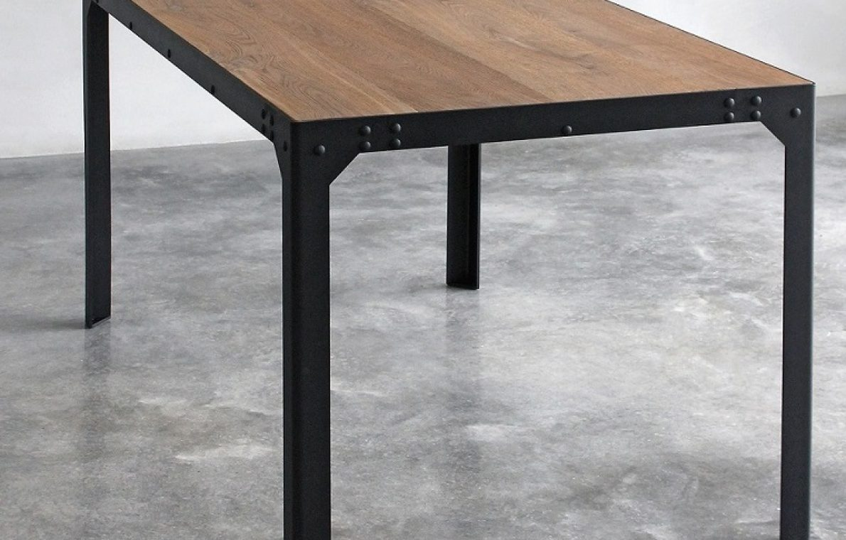 Tavolo in stile industriale (2)