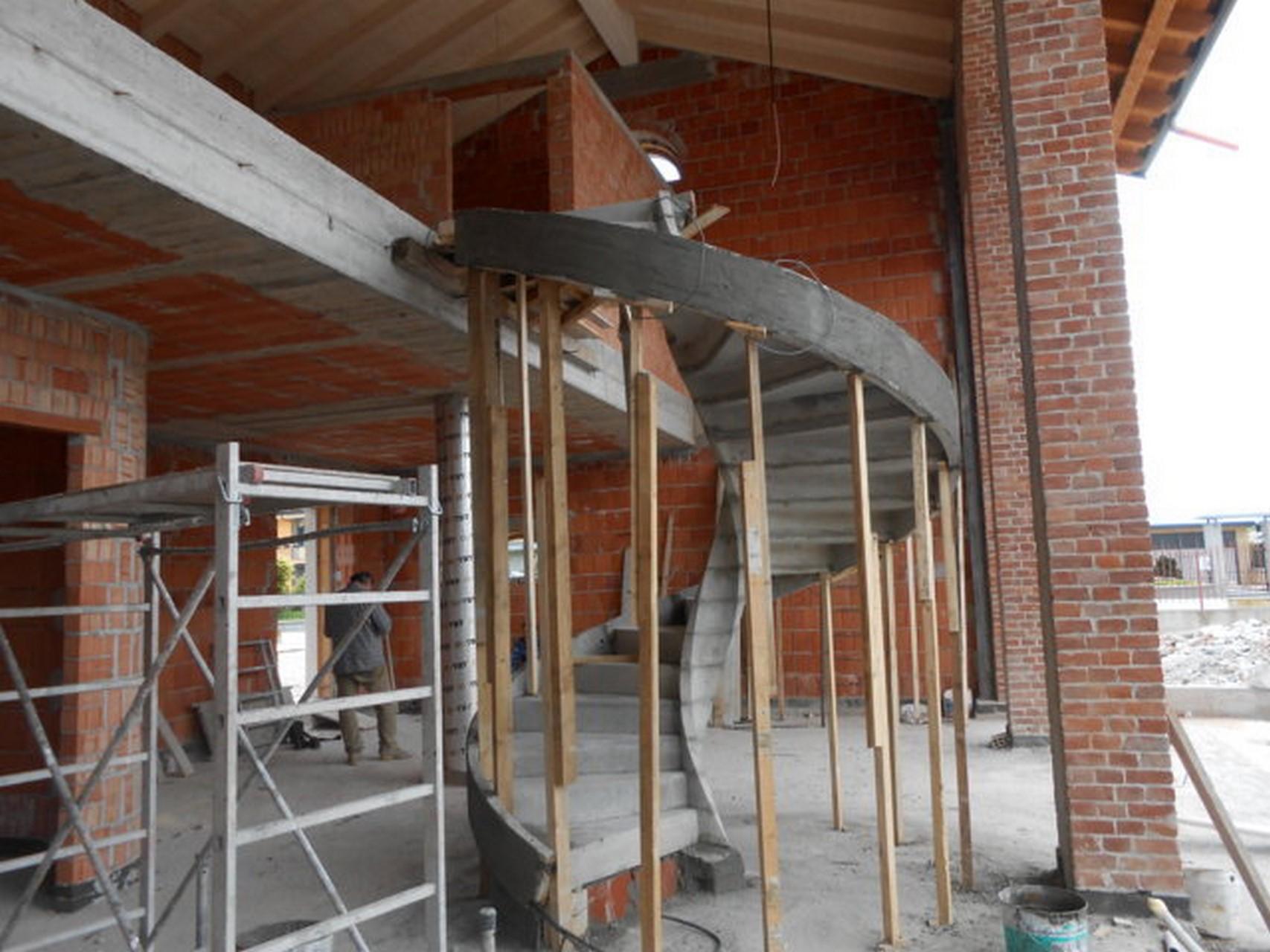 scala elicoidale in cemento armato su misura prezzi